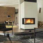 LORFLAM foyer VS100 côté vitré ambiance brique ethnique moderne