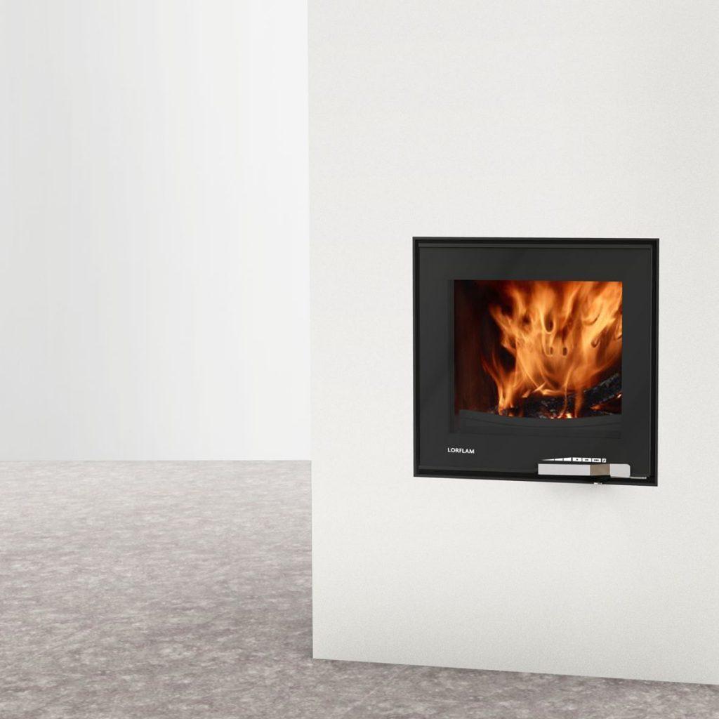 LORFLAM insert bois XP54 fonte porte noire verre poignée inox coffre blanc et sol béton