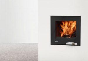 LORFLAM XP54 fonte porte noire verre poignée inox coffre blanc et sol béton