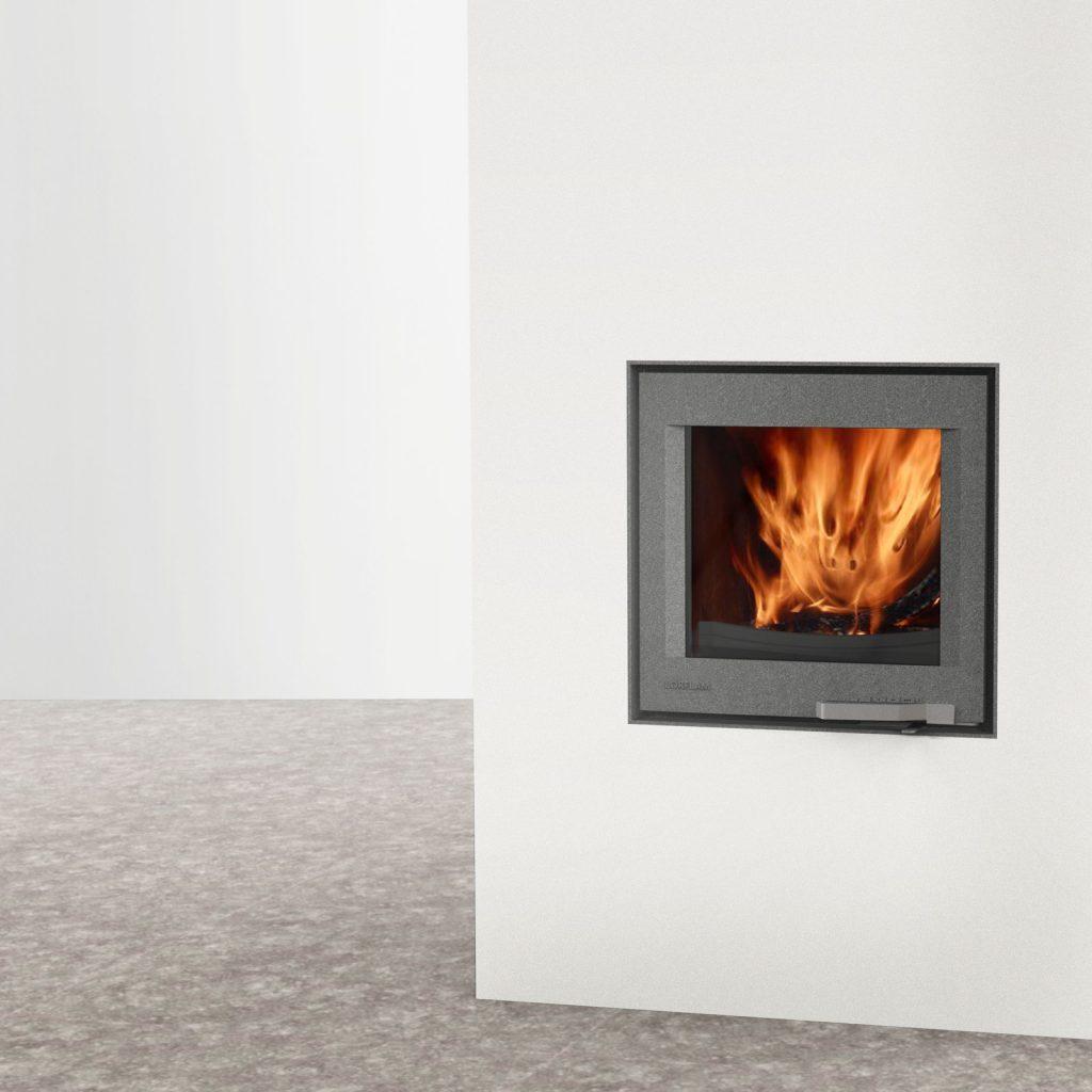 LORFLAM insert bois XP54 fonte porte grise fonte galbée poignée inox coffre blanc et sol béton