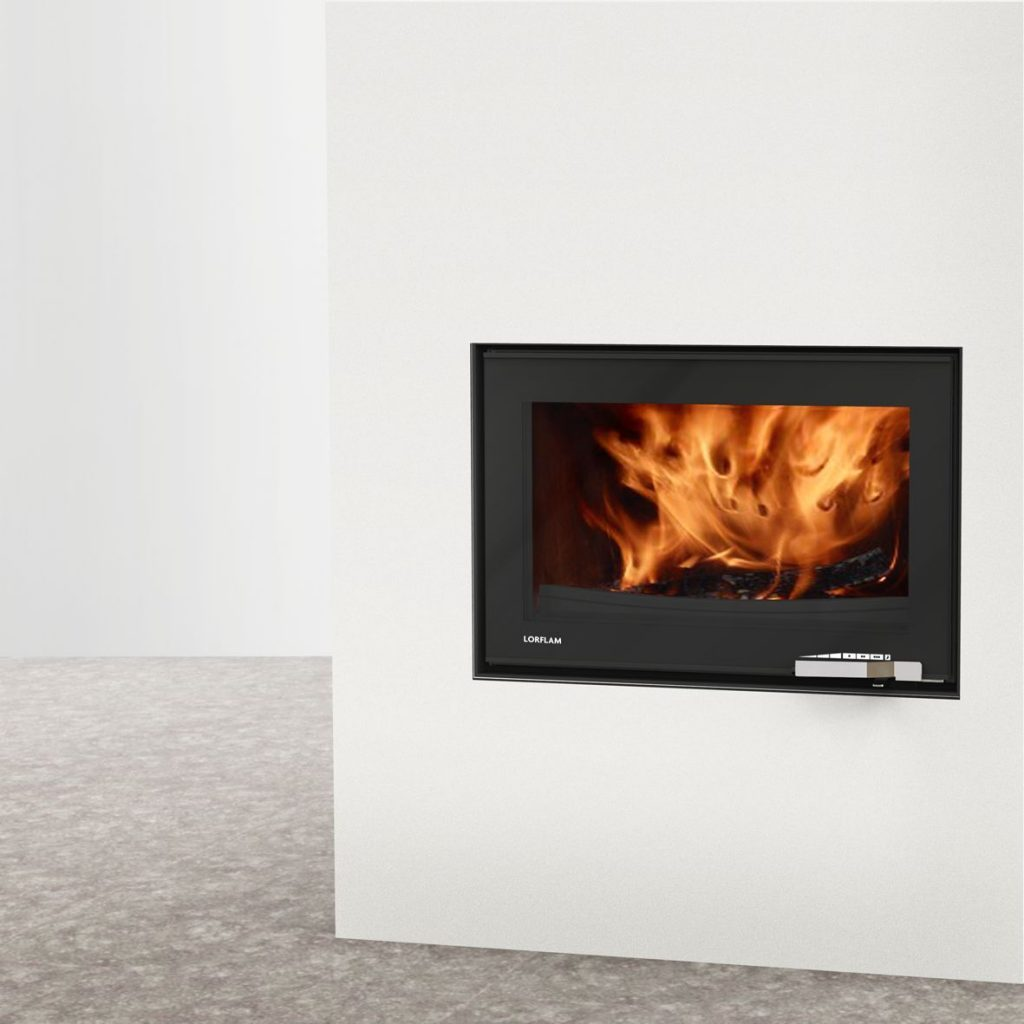 LORFLAM insert bois XP78 fonte porte noire verre poignée inox coffre blanc et sol béton
